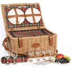 """Trianon Red"" Picnic basket for 6 people"