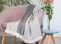 Reversible throw in cashmere and wool: charcoal / ivory