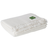 Comfortable throw in cashmere and wool: ivory