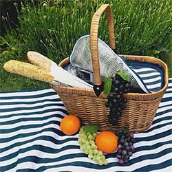 "Insulated wicker hamper ""Chantilly Marine"""