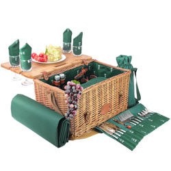 "PIcnic basket ""Saint-honoré"" with table - 4 person"